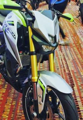 Yamaha-M-Slaz-silver-green-head-lamp-Thailand