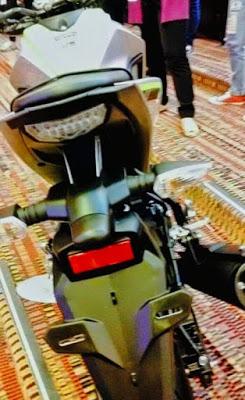 Yamaha-M-Slaz-silver-green-tail-lamp-Thailand