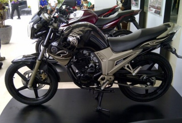 yamaha-scorpio-limited-edition-460x345